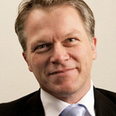 Wouter Bos bepleit winstplafond voor farmabedrijven