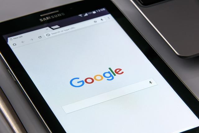Commissie legt Google geldboete op van 2,42 miljard EUR voor misbruik van machtspositie als zoekmachine door eigen prijsvergelijkingsdienst illegaal te bevoordelen