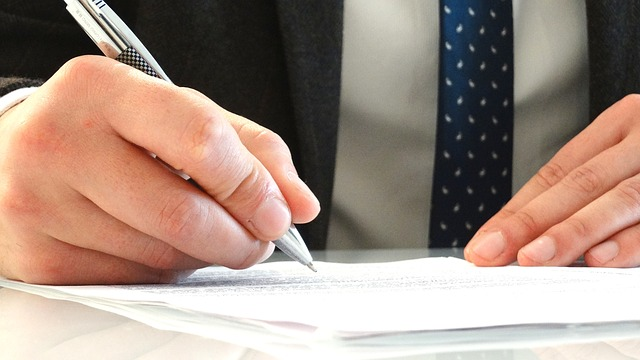 Wat is het verschil tussen een advocaat en een mediator bij een scheiding?