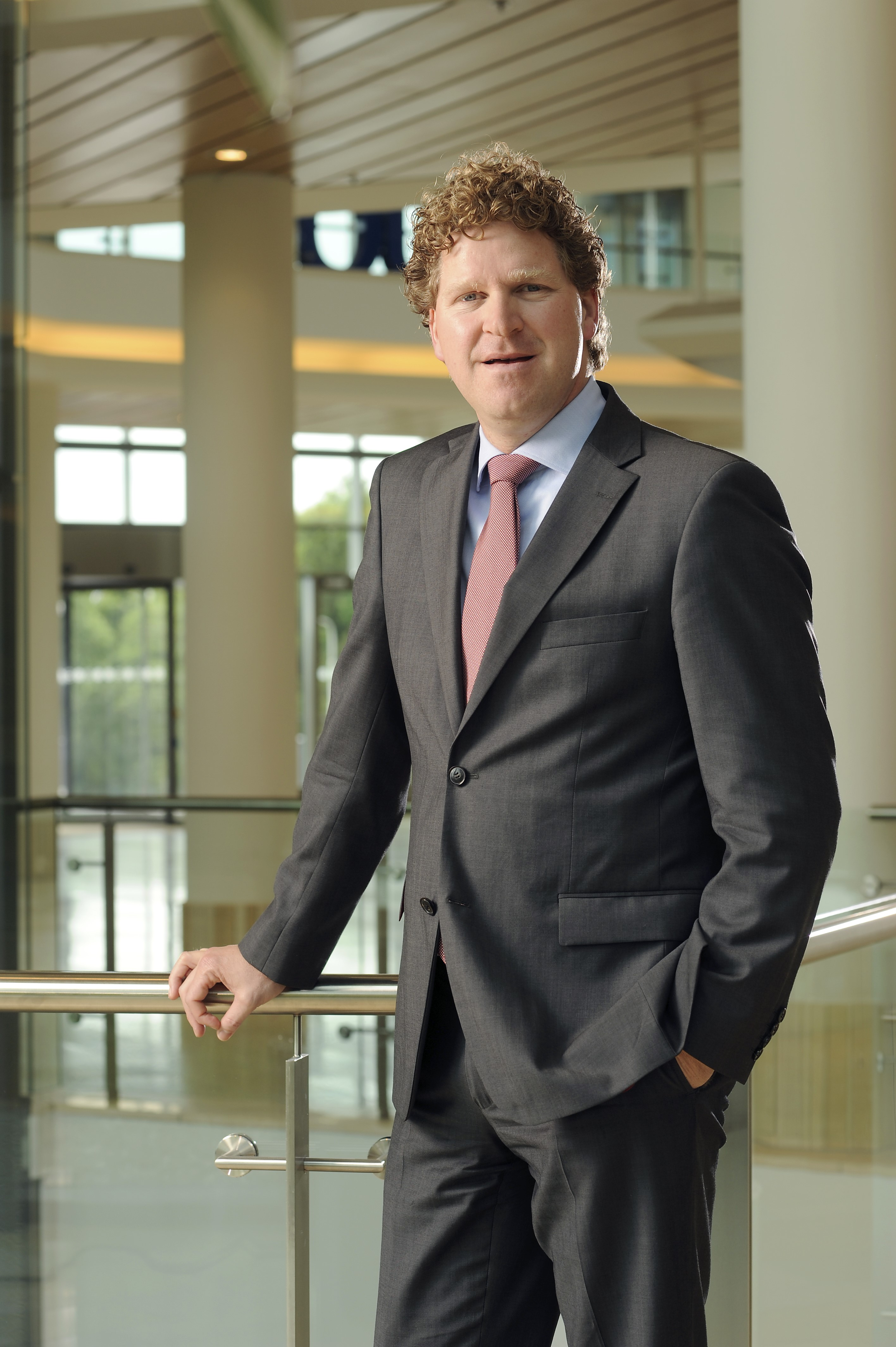 Tim Hesselink nieuwe partner International Trade & Regulatory Kneppelhout & Korthals Advocaten
