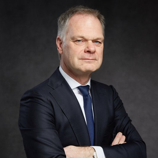 AKD haalt internationale fiscalist Hans Galavazi in huis