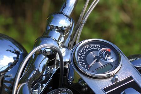 Gehandicapte motorrijder mag niet met aangepast systeem rijden