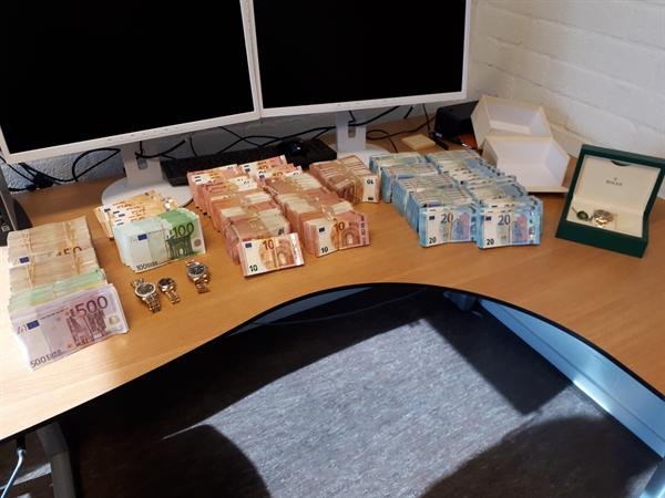 Woningoverval in Zwijndrecht leidt naar vondst 400.000 euro cash